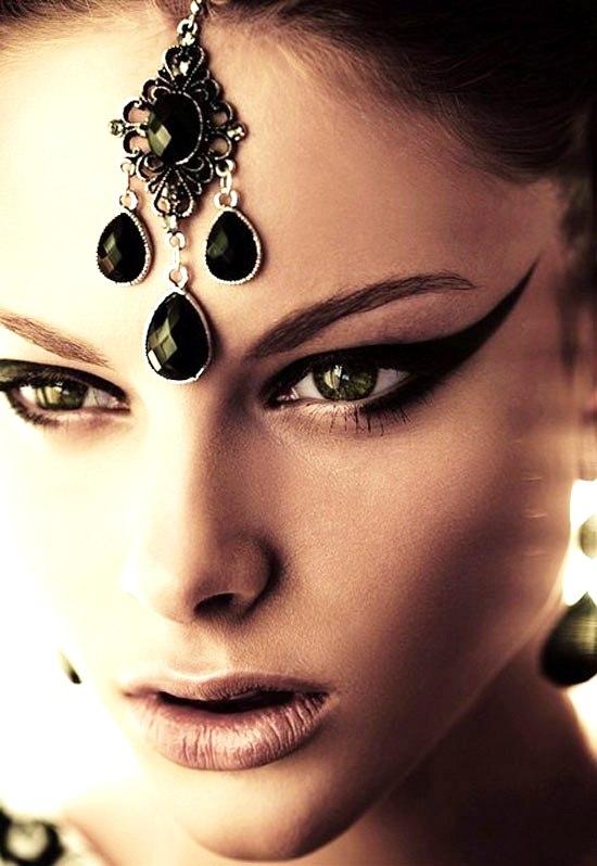 25-Best-Black-Perfect-Eye-liner-Styles-Designs-Looks-Ideas-16
