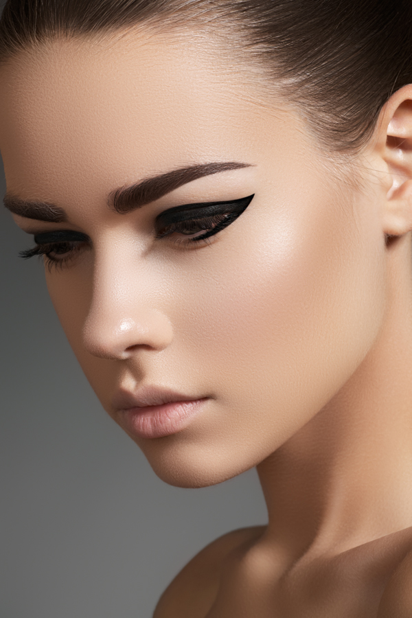 eyeliner_brows_catwalk