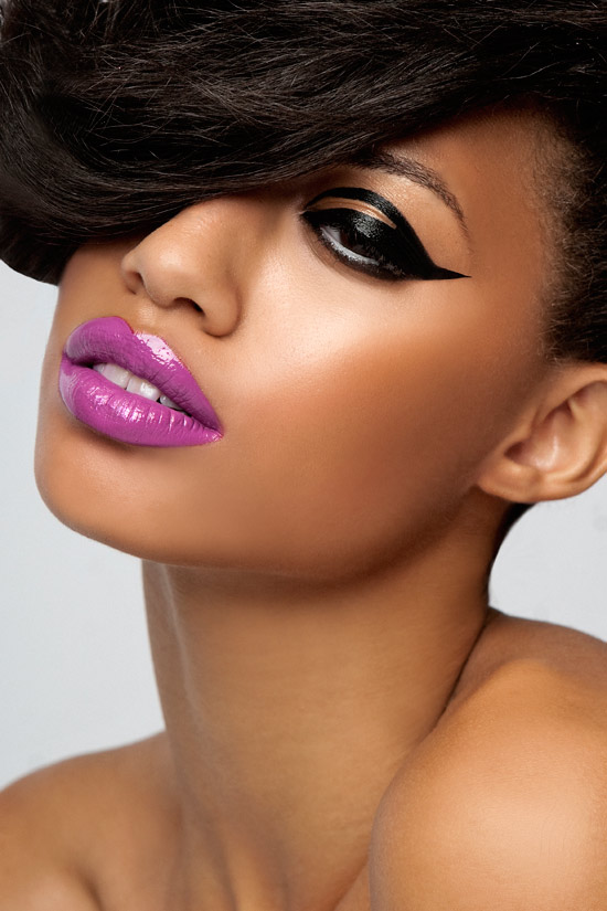 purple-lips-dark-eyes