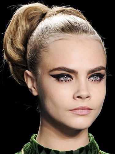 sev-cosmo-12-black-eyeliner-lgn