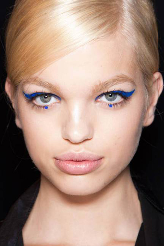 trend-geometric-eyeliner-anna-sui-4