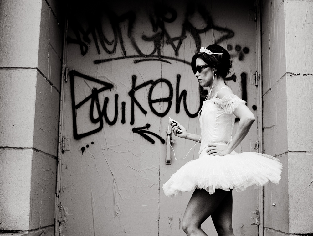 haight-st-ballerina-with-ipod-1
