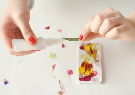 etsyhowto-diy-howto-iphonecase-pressedflowers-002